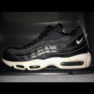 Nike Air Max 95 Rebel Skulls Pack 11.5